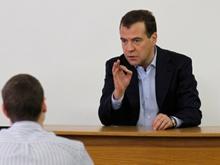 Медведев порекомендовал саратовским однопартийцам учиться