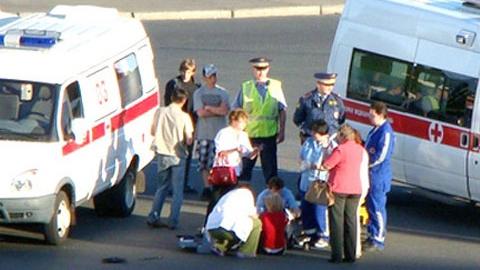 Саратовские автомобилисты отправили в больницы троих подростков
