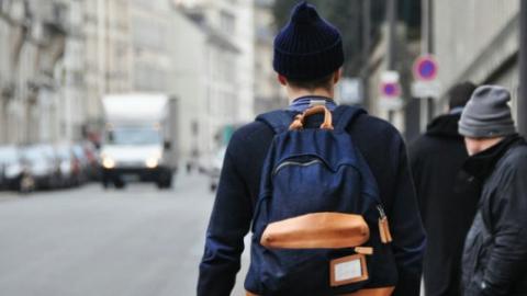 Молодые грабители сняли с поверженного балаковца рюкзак
