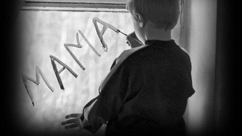 Краснокутские чиновники ставили людям препоны в усыновлении детей