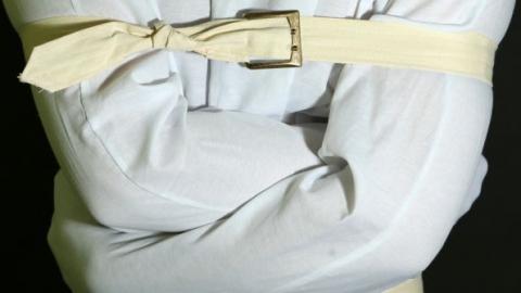 Невменяемый саратовец прятал в бане и автомобиле два кило наркотиков