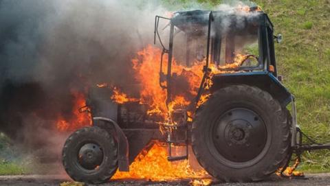 Пожары в области унесли жизнь человека, уничтожили зерно и тракторы