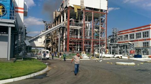 Взрыв маслозавода в Балакове. Спасатели сообщают об одном погибшем и пяти раненых