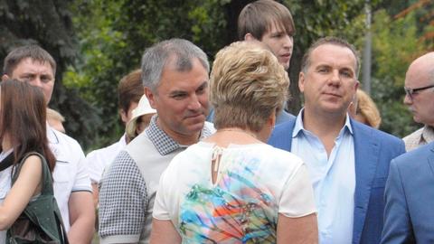 На открытие памятника Олегу Табакову в Саратов приехал Вячеслав Володин