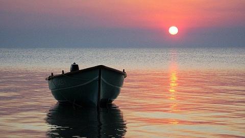 Сергей Доронин спас двух попавших в шторм рыбаков