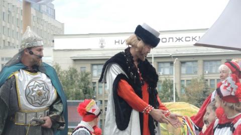 """Валерий Радаев назвал Саратов """"городом самых красивых девушек"""""""