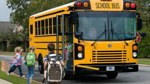 50 школьных автобусов Саратовской области оказались неисправными
