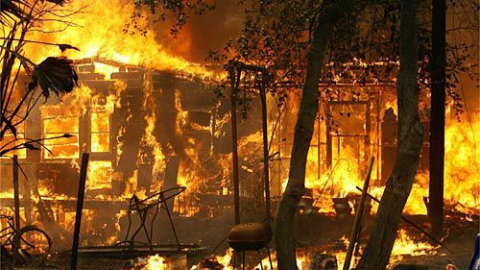 На пожарах в выходные погибли трое жителей Саратовской области