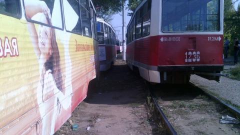 На кольце в Солнечном сошел с рельсов трамвай №11