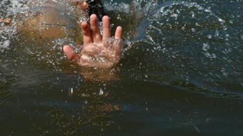 Первоклассник упал в Волгу и утонул