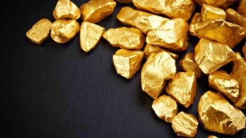 Балаковец украл у подруги золото на 100 тысяч