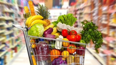 Минимальный набор продуктов питания саратовца оценили в 2,8 тысячи рублей