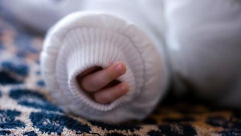 СУ СКР: мать троих сгоревших детей стала совершеннолетней недавно