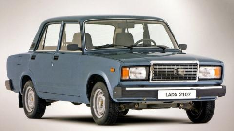 Сотрудник продал машину фирмы и прикарманил 100 тысяч рублей