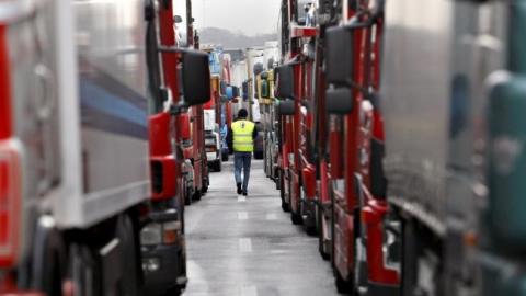 Акцию протеста дальнобойщиков в Энгельсе пресекла ГИБДД