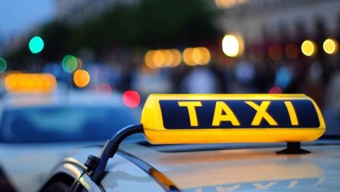 В Саратове двое напали на таксиста