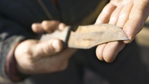Вооруженный разбойник совершил налет на балаковский магазин