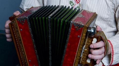 Саратовская гармоника претендует на звание лучшего сувенира России