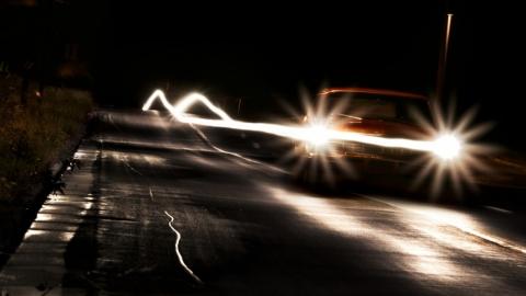 УАЗ-Патриот на темной дороге насмерть сбил женщину