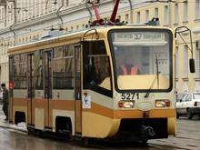 На Советской легковушка подрезала трамвай