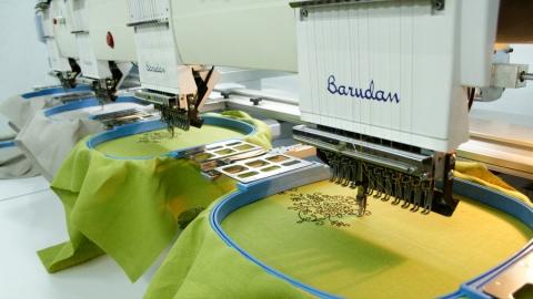 С территории швейной фабрики унесли 56 тысяч рублей