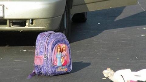 В курском дворе иномарка сбила школьницу
