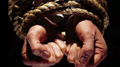 Налетчики связали и ограбили пенсионерку под Саратовом
