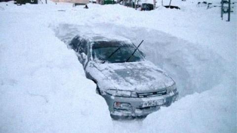МЧС предупреждает об опасных снегопадах 3 января