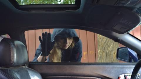Товаровед заподозрена в угоне чужого автомобиля