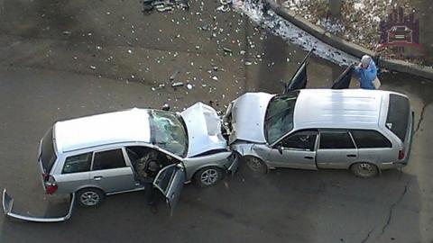 В столкновении Хундая и Ниссана в Балакове пострадали трое