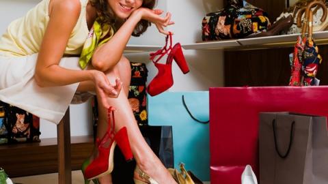 Из ТЦ в Саратове женщина вынесла обуви почти на 60 тысяч рублей
