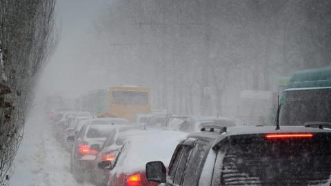 В Саратове потеплеет до нуля и выпадет много снега при гололедице на дорогах