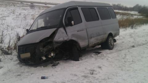 Тойота протаранила ГАЗель-маршрутку на трассе