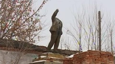 Вандалы обезглавили памятник Ленину в Энгельсе