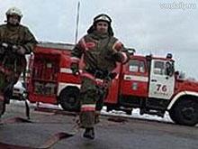Пожар на Челюскинцев перекинулся на соседние дома