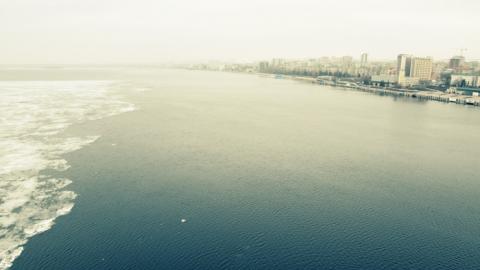 Двое рыбаков на Волге провалились под лед и утонули