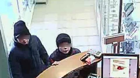 Бросивший школу мальчик попался на краже зимней шапки