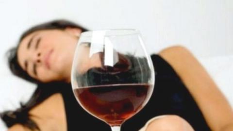 Женщина зарезала бойфренда за замечание насчет выпивки