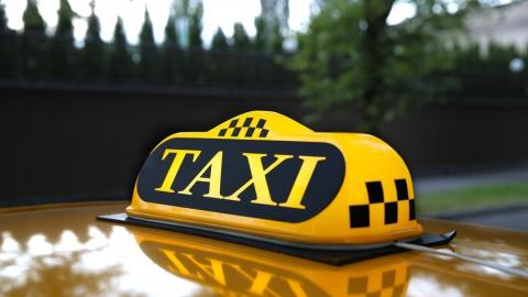 Таксист проломил голову пьяному клиенту