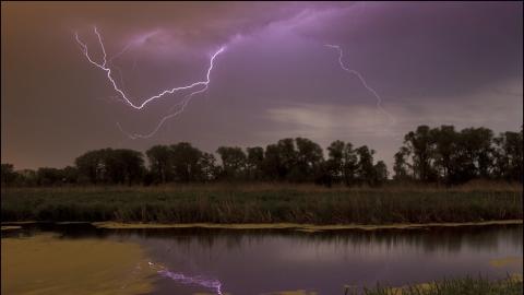 Со среды в Саратове начнутся дожди с грозами и похолодает