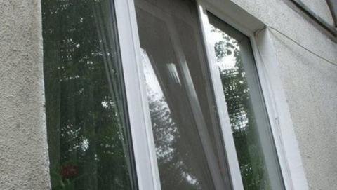 Рецидивист похитил упенсионерки 150 долларов через открытое окно