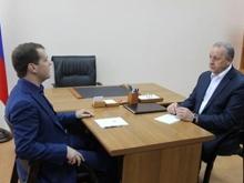 Радаев рассказал Медведеву о выборах, ТЮЗе и отопительном сезоне