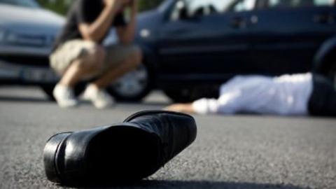 ВСаратове вынуждены прибегнуть кпомощи медиков попавшие под колеса машин девочка иженщина