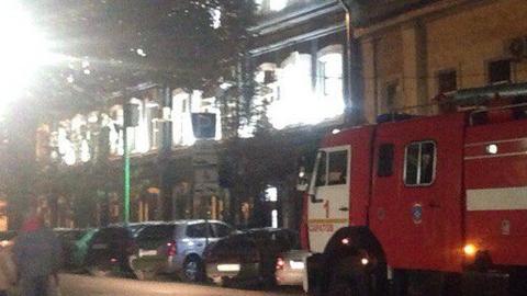 НаПервомайской, 72 полыхает двухэтажный дом