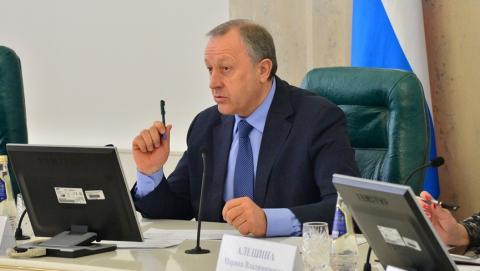 Членам Общественной Палаты области выйдут изполитических партий
