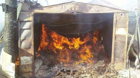 Впроцессе пожара вгараже пострадал мужчина