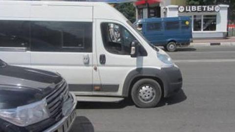 Встолкновении «Нивы» имаршрутки пострадали 4 человека