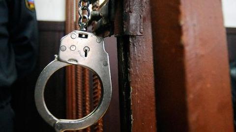 ВВольске полицейского подозревают втом, что онполучал взятки впрок