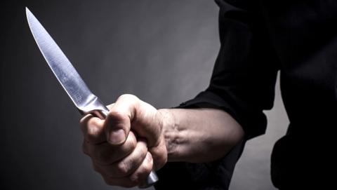 ВСаратове гость задушил женщину, зарезал подростка иранил владельца