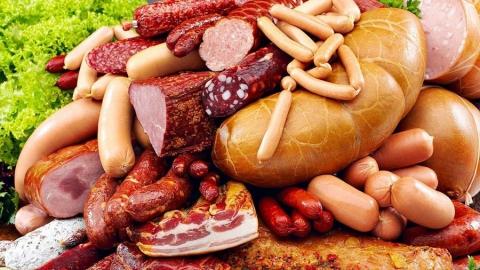 Из-за обнаружения зараженной колбасы приостановлена работа мясокомбината вСаратове